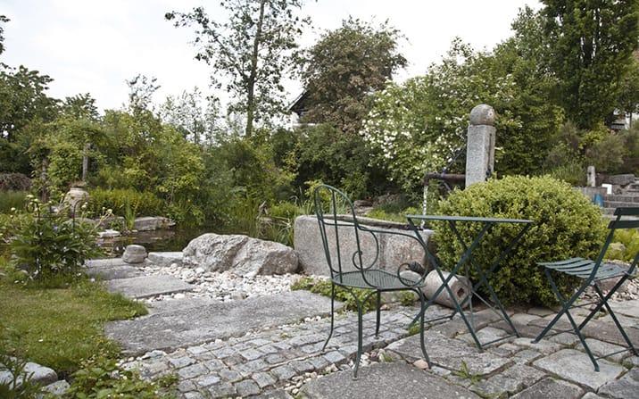 gartenzauner sitzplatz am wasser garten zauner. Black Bedroom Furniture Sets. Home Design Ideas