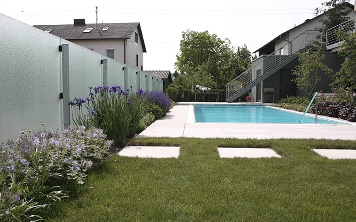Pool Mit Glaswand Garten Pictures to pin on Pinterest