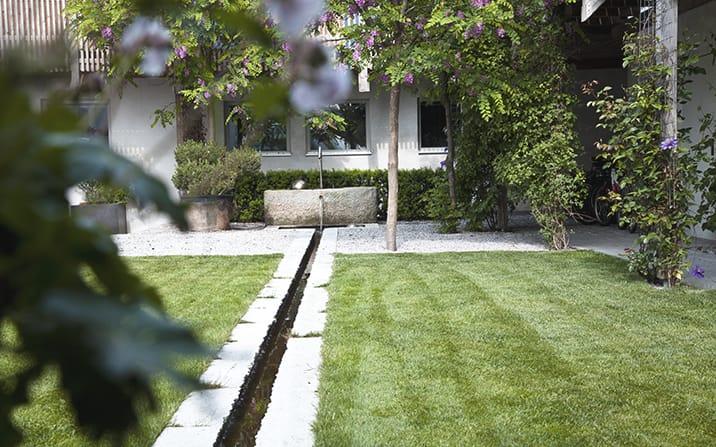 Gartenzauner feinstes handwerk f r ihren garten gartengestaltung o - Gartengestaltung bauernhof ...