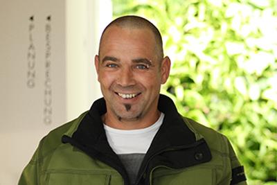 Martin Simader Landschaftsgärtner, Vorarbeiter Erdarbeiten, Mauerbau, Grünanlagen, Wasser im Garten, Pflegearbeiten