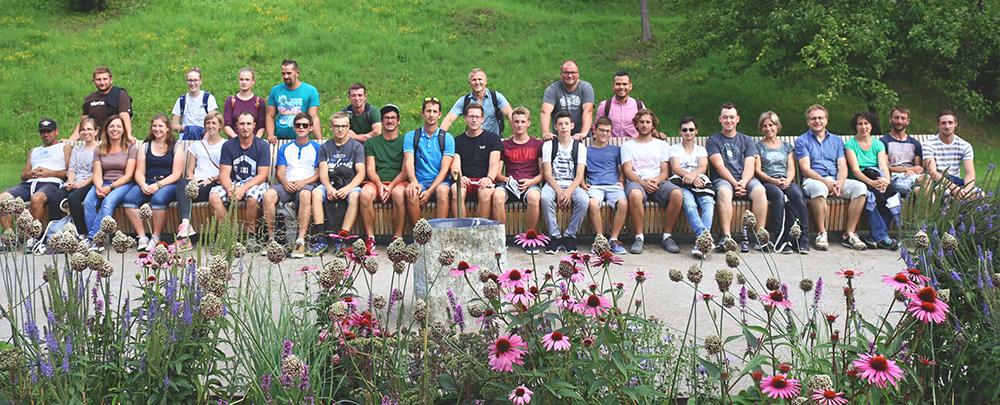Gartenzauner, Team
